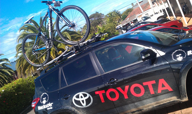 Toyota RAV 4 and Giant XTC